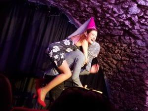 Porté de greluche spectacle d'humour à Biarritz café théâtre : Le Petit Bijou