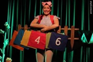 Alouette porte ses sacs dans ce spectacle pour enfant à Biarritz