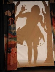 voile blanc avec en silhouette Dolly