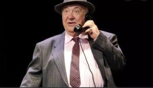 Jean-Laurent Cochet dans une pièce de Sacha Guitry
