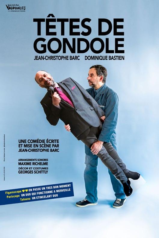 TETES DE GONDOLE un acteur debout qui porte son collegue aussi immobile qu'un profil en carton grandeur nature